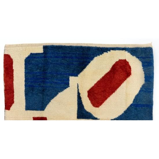 Modern Pop Art Love Rug . %100 Wool Rug. Custom Options Available