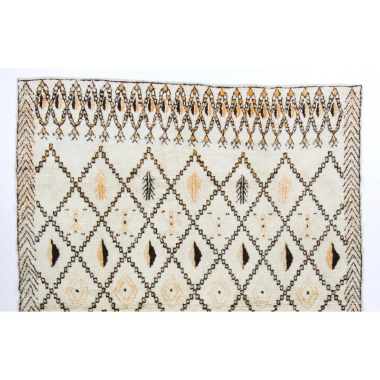 Large Contemporary Moroccan Rug, 100% Wool. Custom Options Available
