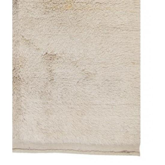 """Minimalist Anatolian """"Tulu"""" Rug made of Natural Undyed Wool"""