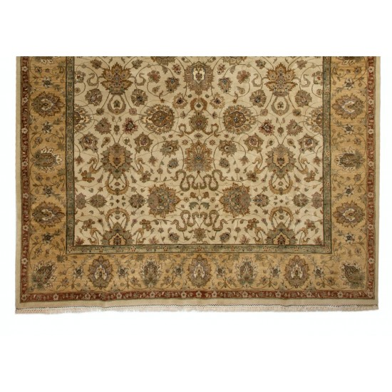 Brand New Oushak Rug, 100% Soft Wool & Natural Dyes. Fine Turkish Carpet