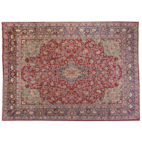 Antique Oriental Area Rug. Hand-Knotted Wool Carpet