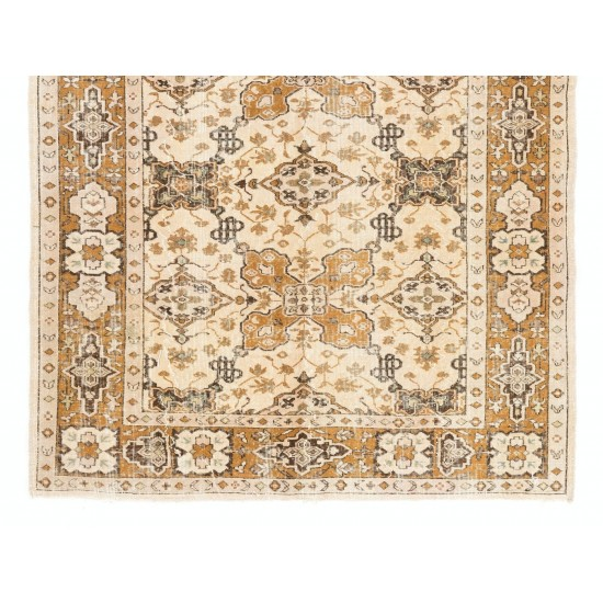 Hand-Knotted Vintage Turkish Oushak Area Rug. Very Good Condition